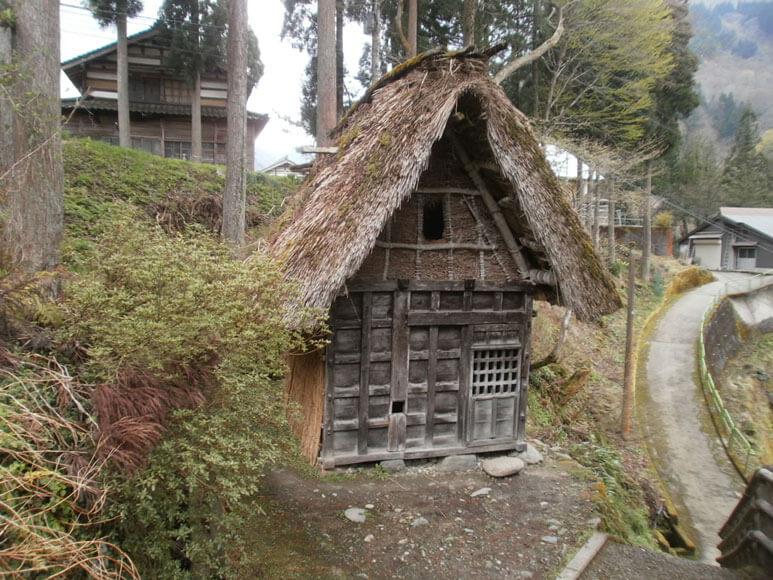 富山県旅行観光上梨流刑小屋