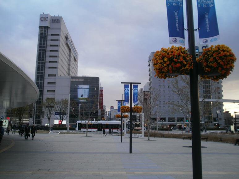 富山県旅行観光富山駅