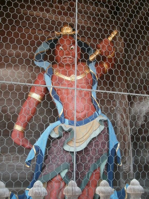富山県旅行観光高岡市瑞龍寺山門仁王像