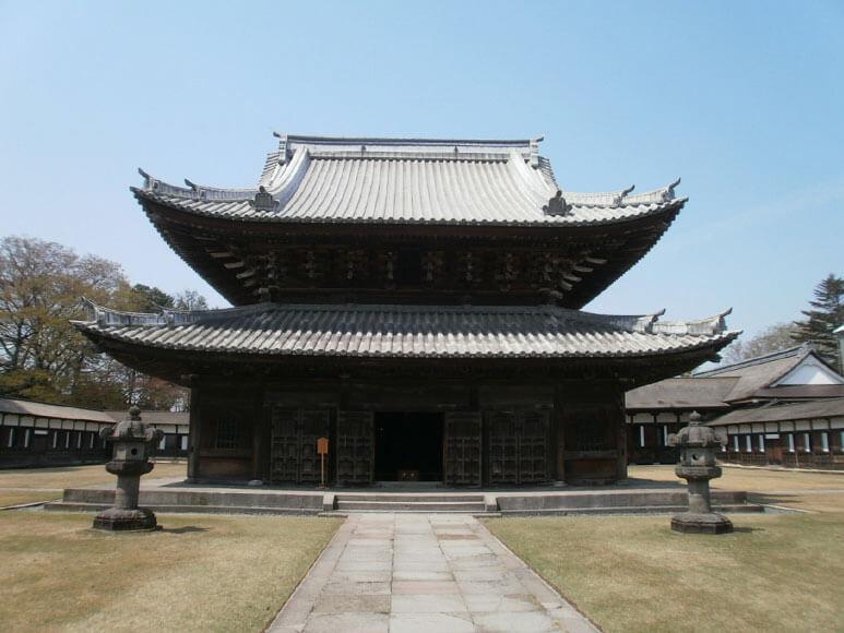 富山県旅行観光高岡市瑞龍寺仏殿