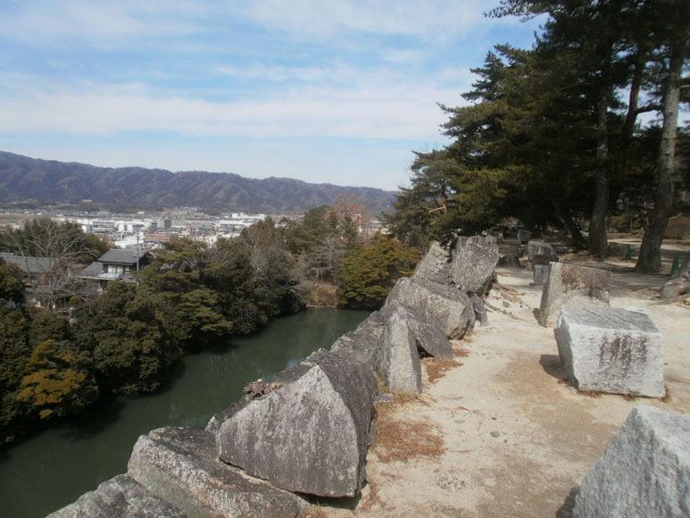 三重県旅行観光伊賀上野城石垣