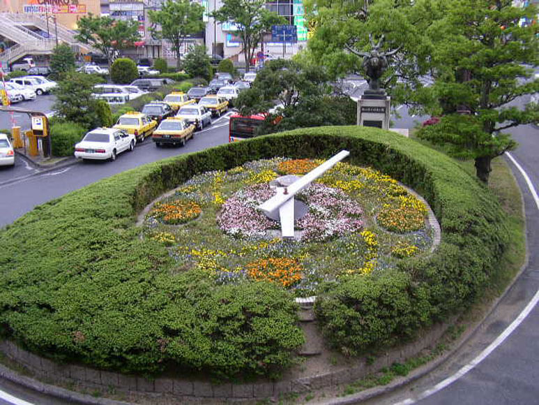 岡山県倉敷駅花時計