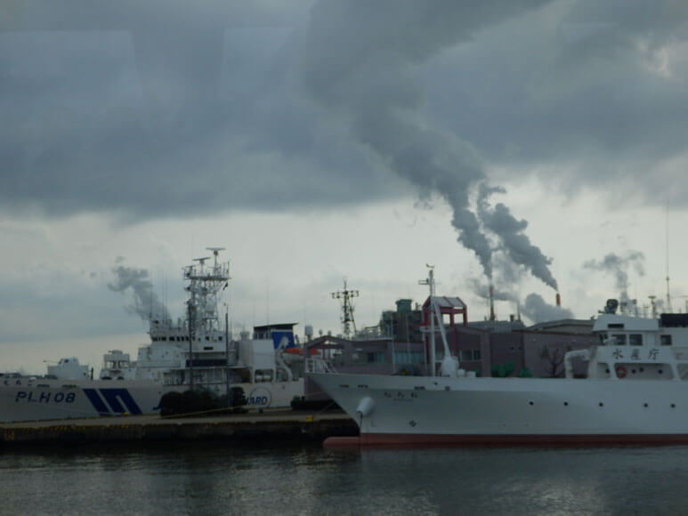 新潟県の旅行観光新潟港ジェットフォイル