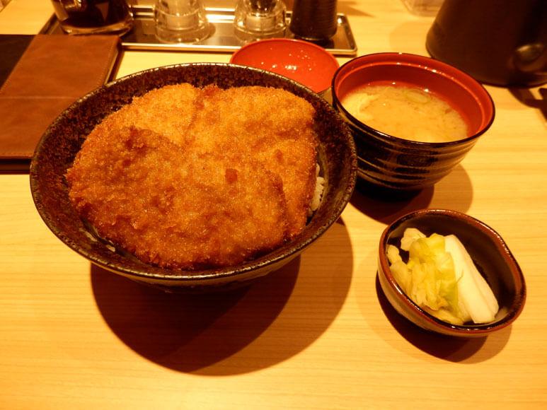 新潟県の旅行観光ヒレカツ丼