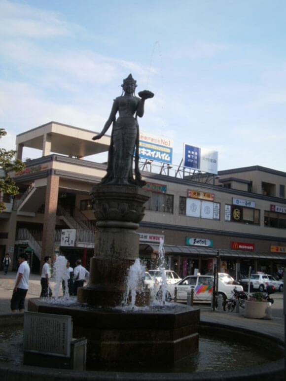 長野県旅行観光長野駅如是姫の像